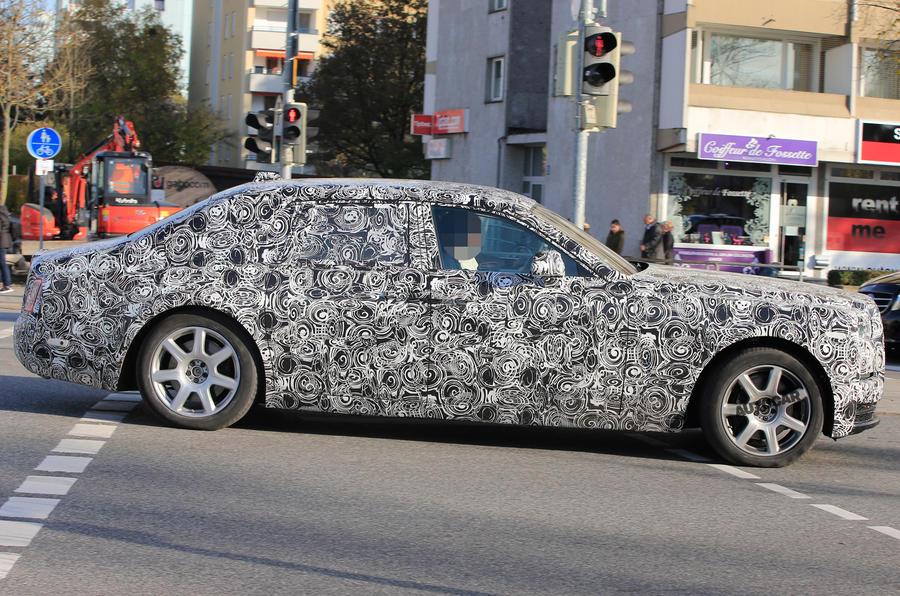 Rolls Royce Phantom 2018 spec